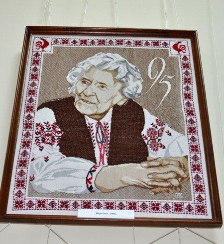 Симферопольцам открыли «Штрихи истории Украины в вышитом портрете» (фото), фото-4