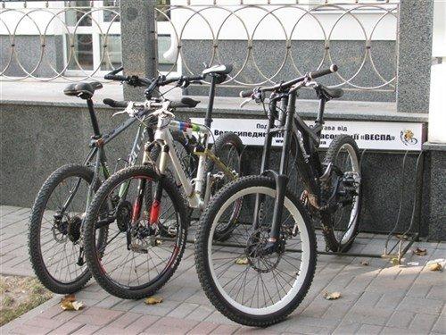 Полтавській міськраді подарували велостоянку (ФОТО), фото-3