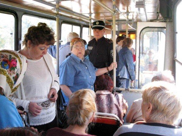 В Горловке устроили показушную облаву на безбилетников. Журналистов созвали, а «зайцев» не поймали, фото-1