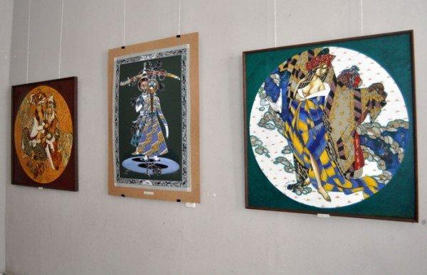 В Симферополь привезли картины народного художника Узбекистана (фото), фото-3
