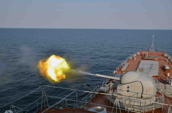 В Крыму отстреливались от вражеских кораблей (фото), фото-1