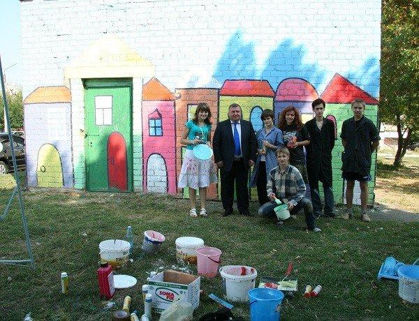 В Мелитополе инженерные сооружения раскрасят молодые художники (ФОТО), фото-1