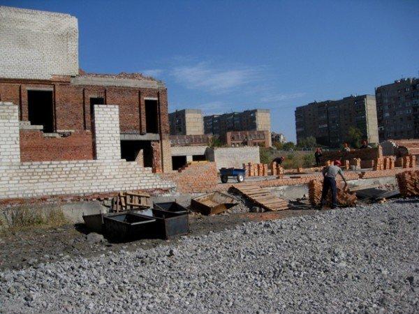 Школа на 88 квартале откроет двери горловским школьникам 1 сентября 2012 года, фото-1