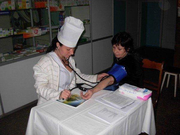 Горловчане в День сердца измеряли уровень глюкозы в крови и артериальное давление (фоторепортаж), фото-8