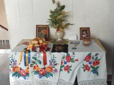 Виставку квітів та благодійний ярмарок до Дня вчителя, фото-2