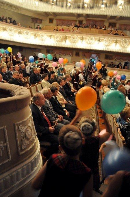 25 крымских учителей получили по 10 тыс. грн. к профессиональному празднику (фото), фото-5