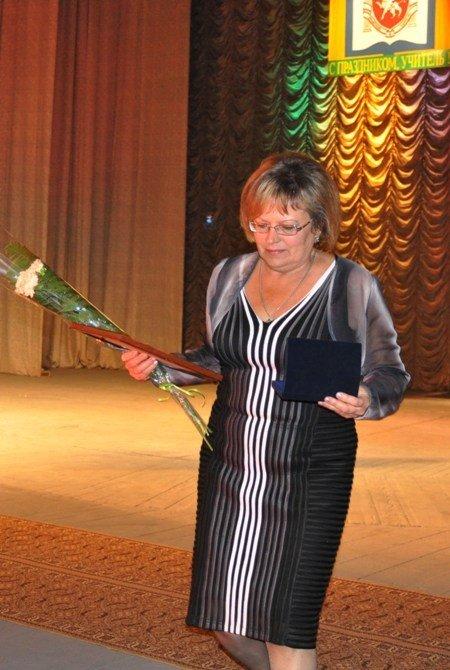 25 крымских учителей получили по 10 тыс. грн. к профессиональному празднику (фото), фото-3