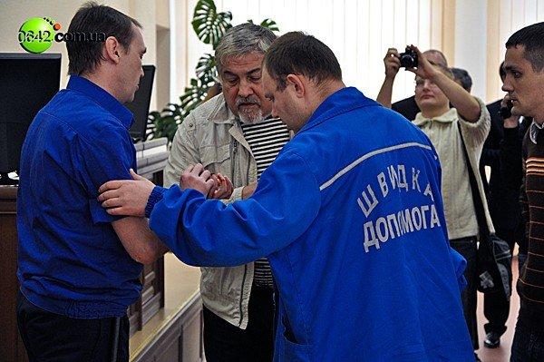 В Луганске на сессии горсовета пролилась кровь (ВИДЕО, ФОТО), фото-6