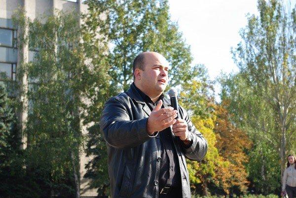 Около тысячи горловчан вышли на улицу, дабы спросить с мэра о выполнении его обещаний, фото-4