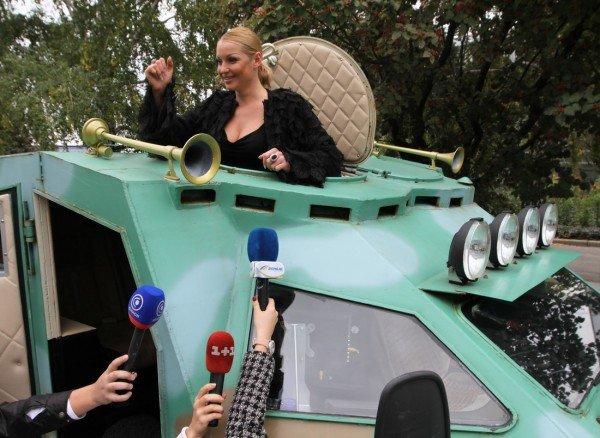Анастасия Волочкова въехала в Донецк на БТРе (фото, видео), фото-5