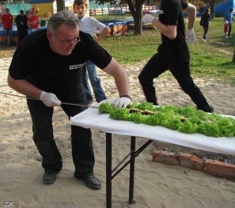 У Луцьку виготовили найдовший у світі хачапурі (ФОТО), фото-2