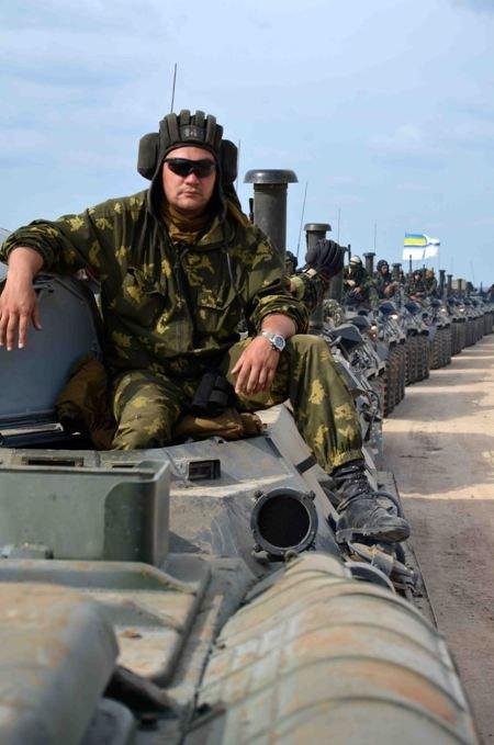 «Константин Ольшанский» вернул в Крым морпехов и бронетехнику (фото), фото-5