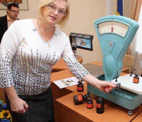На донецком рынке изъяли гирю, которая весит на 300 грамм меньше заявленного номинала (фото), фото-1