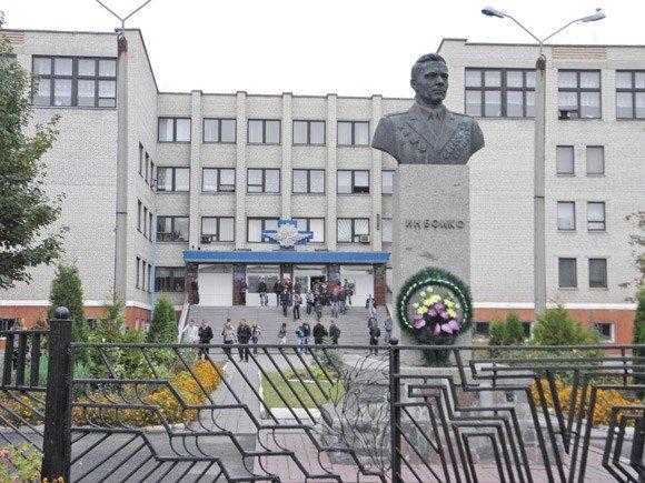 Феномен України: нейрохірург-любитель чи аферист-професіонал?, фото-1