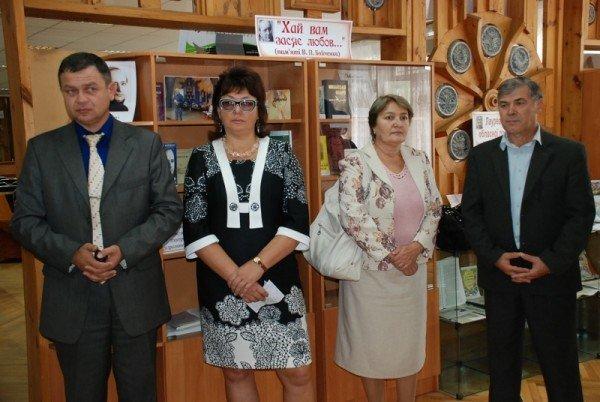 Сегодня в Николаевской библиотеке открылась фотовыставка «Один день неизлечимого больного» (ФОТО), фото-9