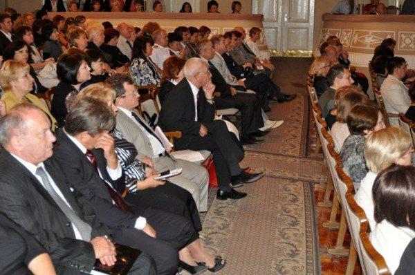 Ректор симферопольского вуза: «В эпоху знаний культом общества является богатство. Это беда» (фото), фото-2