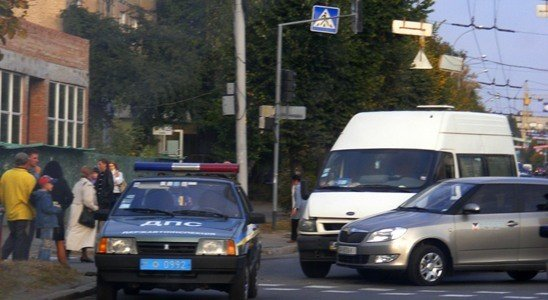 Микроавтобус протаранил «Шкоду» медпредставителя в Виннице (ФОТО), фото-2