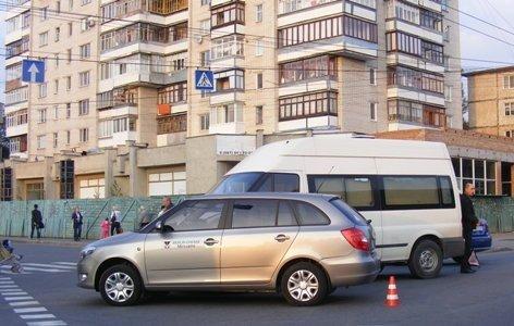 Микроавтобус протаранил «Шкоду» медпредставителя в Виннице (ФОТО), фото-3