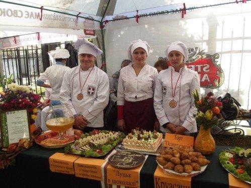 Вшосте й зі смаком у Луцьку зустріли «Бурштинову осінь» (ФОТО), фото-2