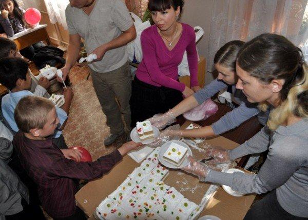 Поселковых сироток накормят волонтеры «Пищи жизни» (фото), фото-5