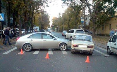 В центре Донецка произошло два ДТП (фото), фото-1