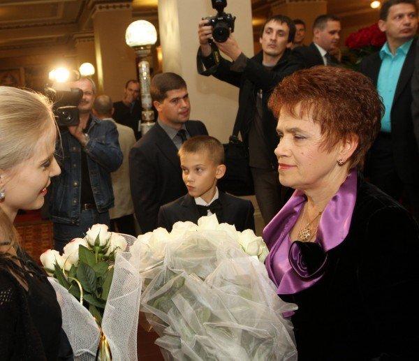 Людмилу Янукович поздравили с днем рождения в театре (фото), фото-4