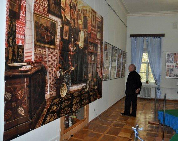 В Симферополе открылась выставка памяти Ивана Гончара (фото), фото-1