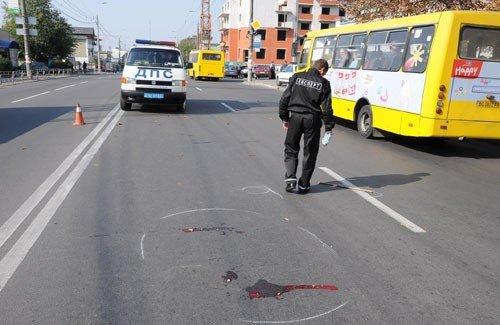 Тернопільські дороги смерті: під колесами автівок гинуть люди, а водії з місць ДТП втікають, фото-1