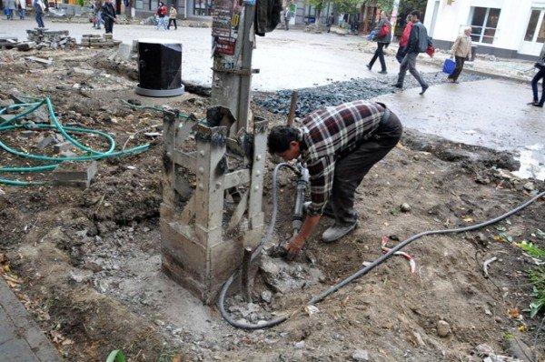 В Симферополе продолжают сносить столетние опоры (фото), фото-2