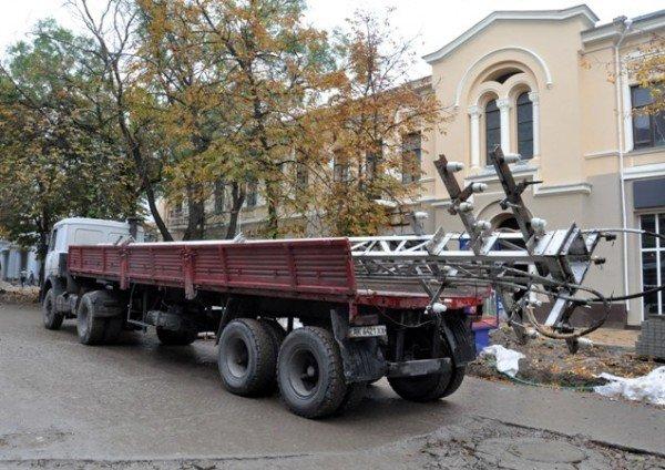 В Симферополе продолжают сносить столетние опоры (фото), фото-3