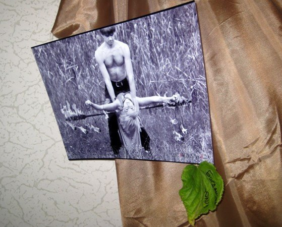 В Симферополе открылась выставка черно-белых фотографий о любви (фото), фото-2