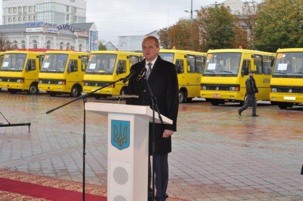 Школы Крыма получили 14 новых автобусов (фото), фото-3