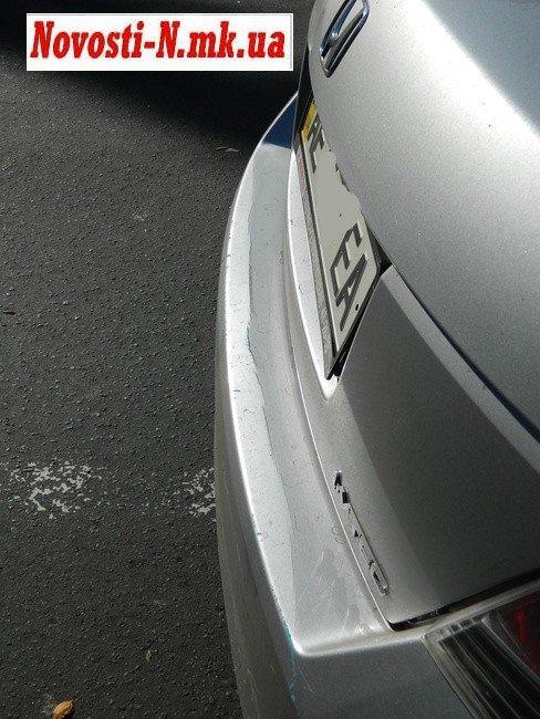 ДТП в центре Николаева. Троллейбус  врезался в автомобиль (ФОТО), фото-4