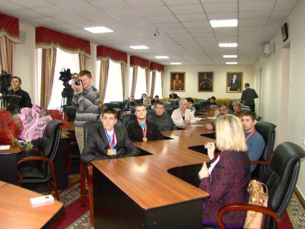 Областные власти поздравили николаевских спортсменов с победой (ФОТО), фото-3