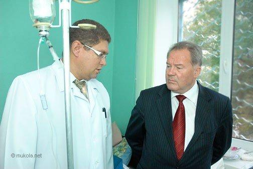 Городской голова Владимир Чайка посетил в БСМП раненого журналиста, фото-1