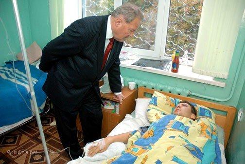 Городской голова Владимир Чайка посетил в БСМП раненого журналиста, фото-5