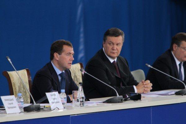 На встрече в Донецке Янукович и Медведев договорились о торговле и поездах, но не о газе? (фото), фото-1