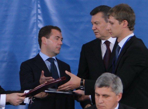 Янукович и Медведев в Донецке – много шума и ничего? (фото), фото-8
