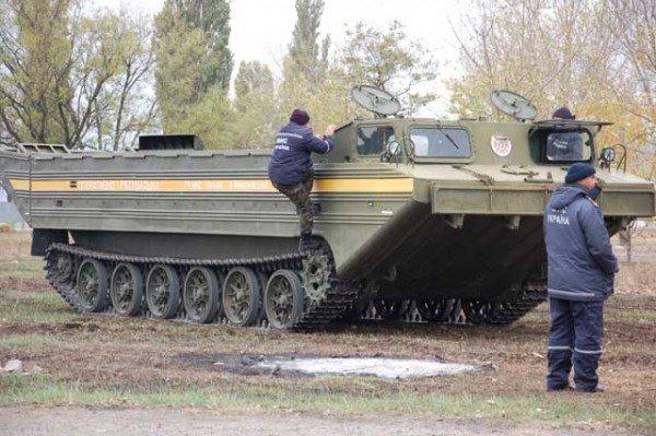 В Николаеве спасатели практиковались в езде на специальной технике (ФОТО), фото-1