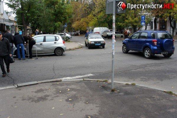 В центре Николаева две иномарки не поделили перекресток (ФОТО), фото-1