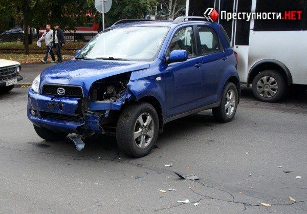 В центре Николаева две иномарки не поделили перекресток (ФОТО), фото-4