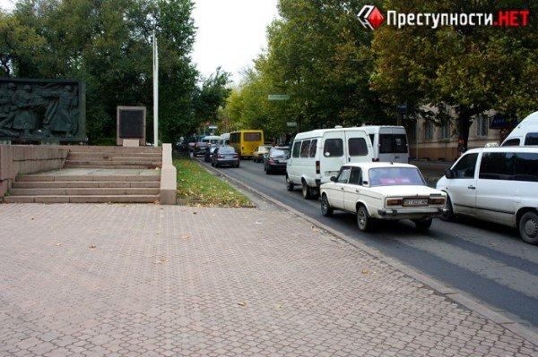 В центре Николаева две иномарки не поделили перекресток (ФОТО), фото-6