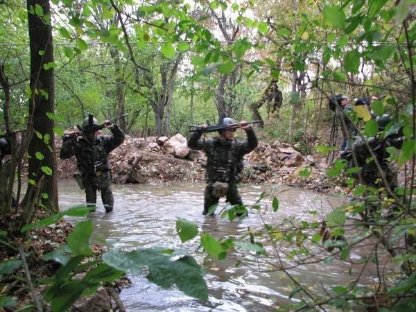 Украинские военные одолели врага, затаившегося в горах Крыма (фото), фото-3