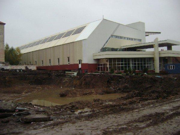 В артемовский стадион «Металлург» вложили еще 40 миллионов, фото-1