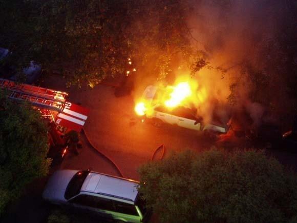 В Николаеве  сгорело два автомобиля (ФОТО), фото-1