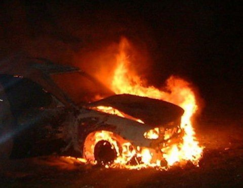 В Николаеве  сгорело два автомобиля (ФОТО), фото-2
