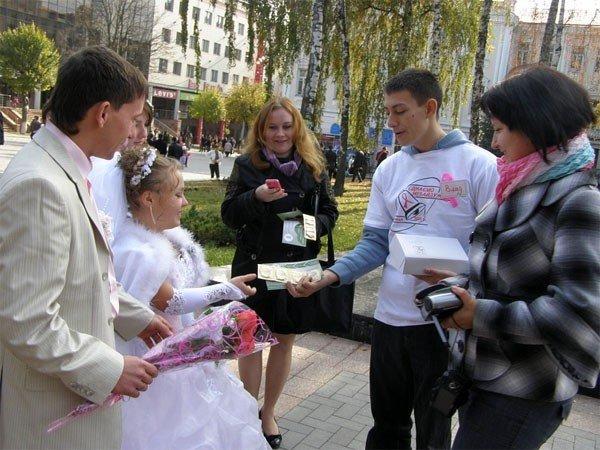 Bелосипедисти і волонтери нагадували про рак молочної залози у сквері Козицького (ФОТО), фото-1