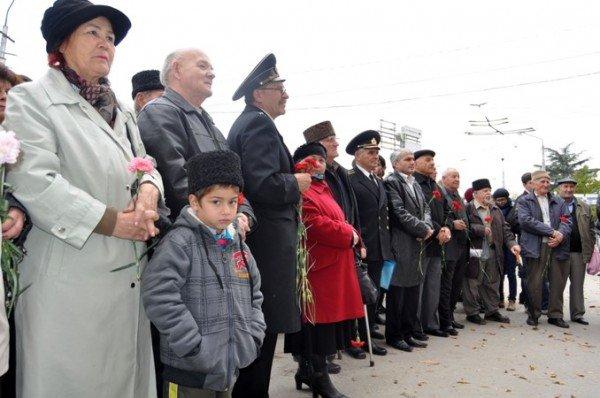 Симферопольский аэропорт предлагают назвать именем Амет-Хана Султана (фото), фото-4