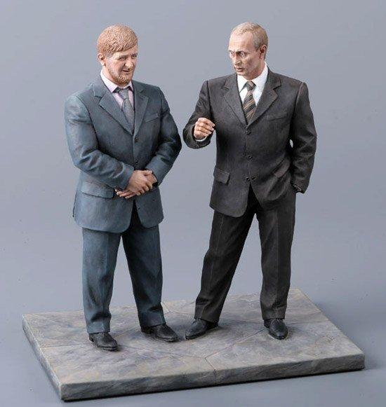 Медведев заказал стойкого оловянного Януковича за 15 тысяч долларов (фото), фото-5