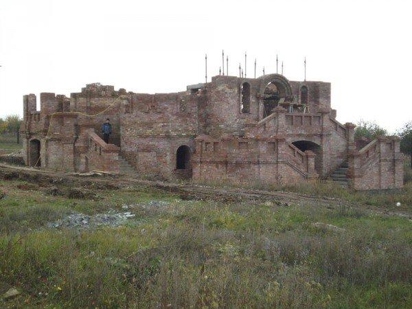 Отец Константин просит артемовских депутатов помочь достроить церковь, фото-1